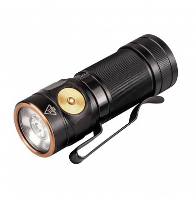 Фонарь Fenix E18R Cree XP-L HI LED